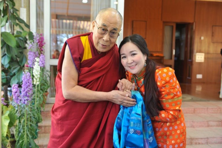 kunze-chimed-with-hhdl